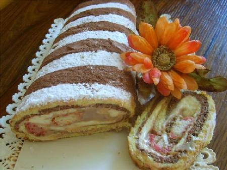 biscotto-arrotolato-con-gelato