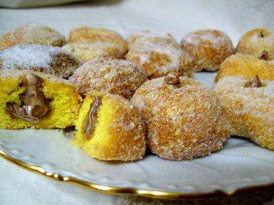 castagnole-dorate-ripiene-di-nutella