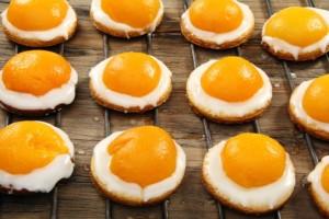 finte uova dolci