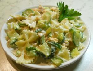 Farfalle-al-Salmone-con-zucchine-